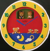 Rhythm 12 Children Melodies Magic Motion Clock