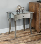 Jovannie Mirrored Accent Table - LUT2087
