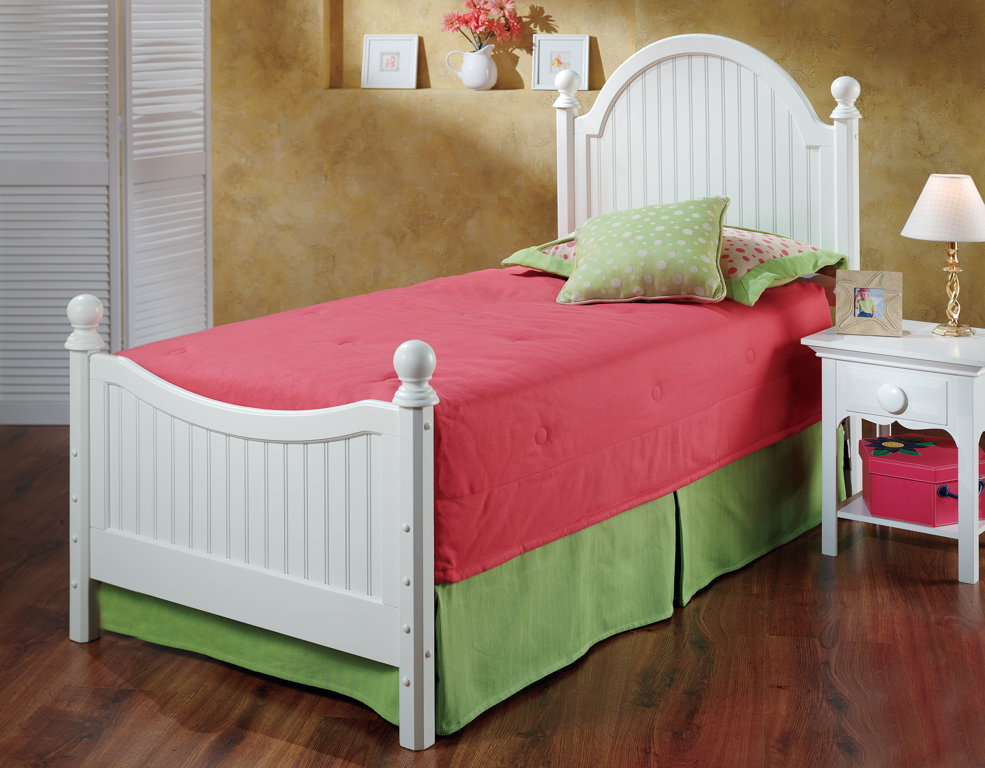 Clockway westfield post bed set full w rails thd7822 for Family code 7822